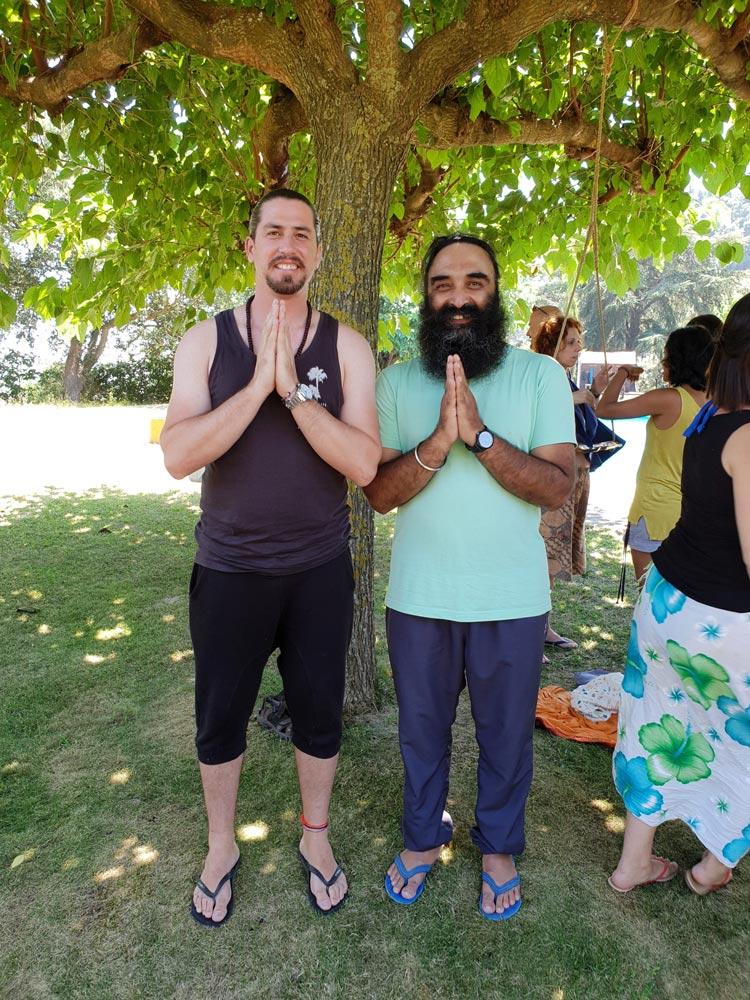francisco yoga con surynder sing neoyoga dh